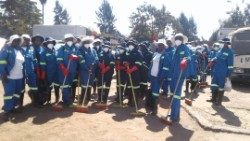 Zimbabwe's 'Team up 2 Clean up Mbare' setting off to clean the the city