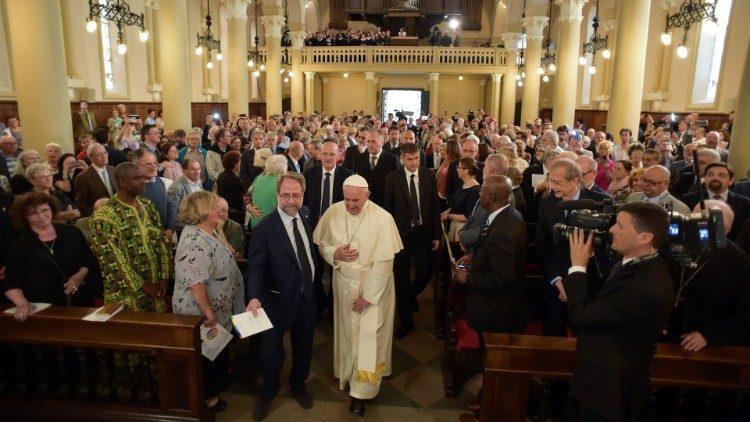 El Papa, con los valdenses