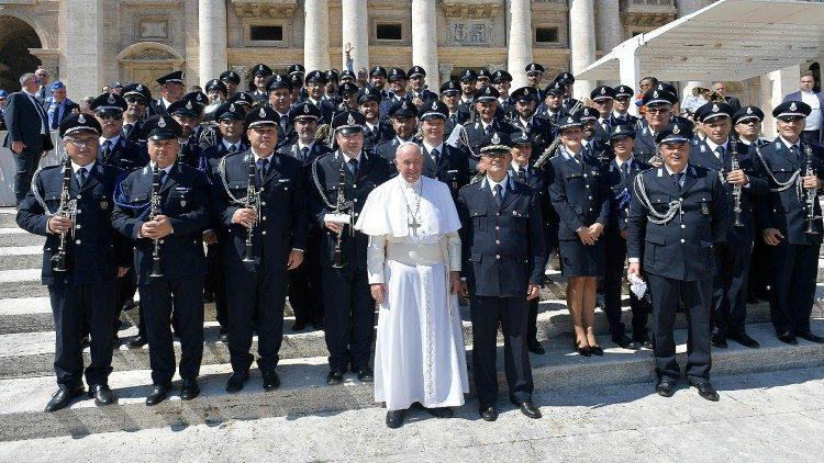 教宗接見意大利獄警