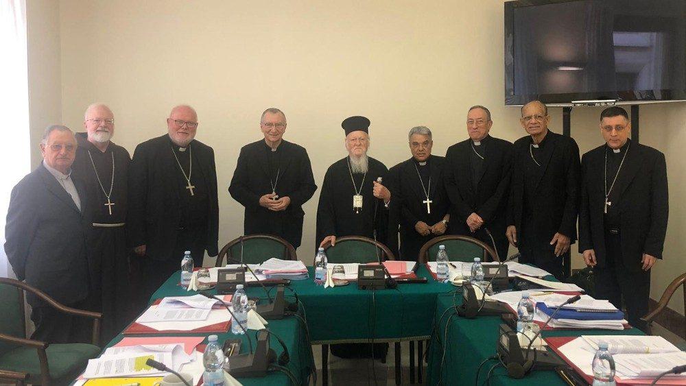 Bartolomeo e cardinali del C6.jpg
