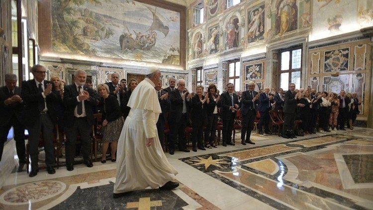 Папа – итальянским врачам: человеческая жизнь священна