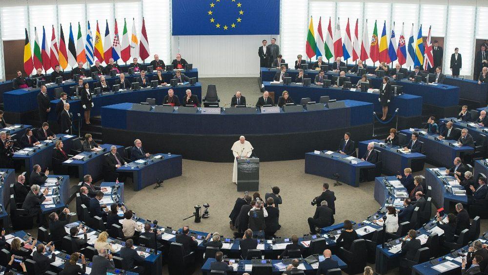 Francisco, ante la Comisión Europea
