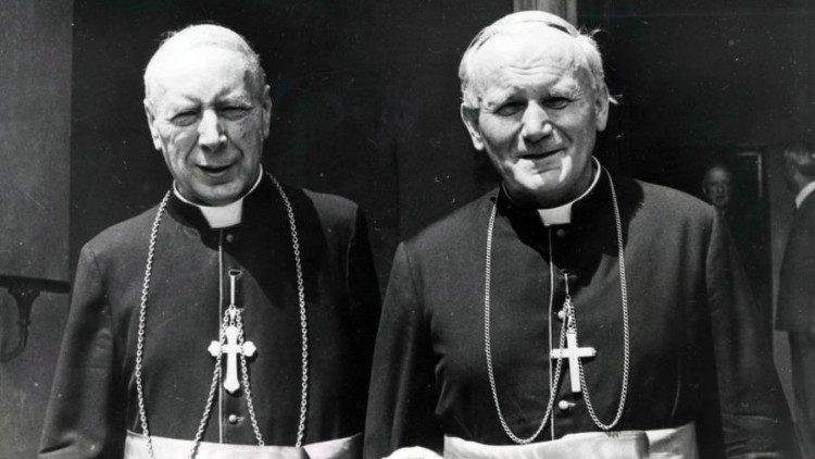 El futuro beato, con el futuro Juan Pablo II