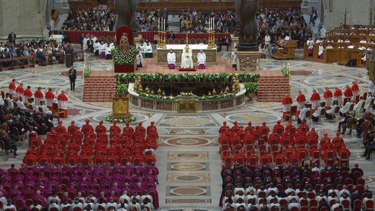 バチカンで開かれた公開枢機卿会議での新枢機卿叙任式 2019年10月5日