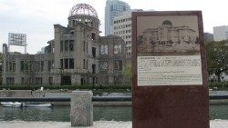 Old_and_New-HIROSHIMA.jpg