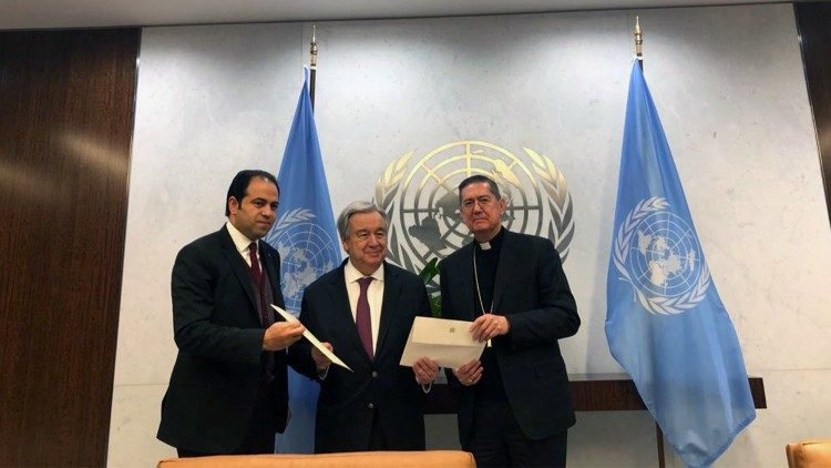 Cardinal Ayuso and Judge Muhammad Abd al-Salam with UN General Secretary, António Guterres
