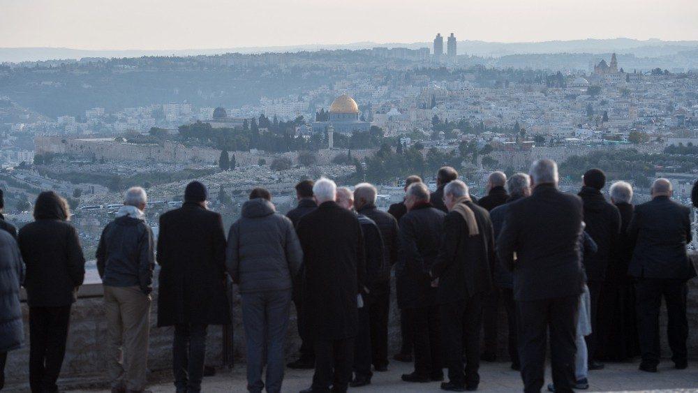 Los obispos contemplan Jerusalén