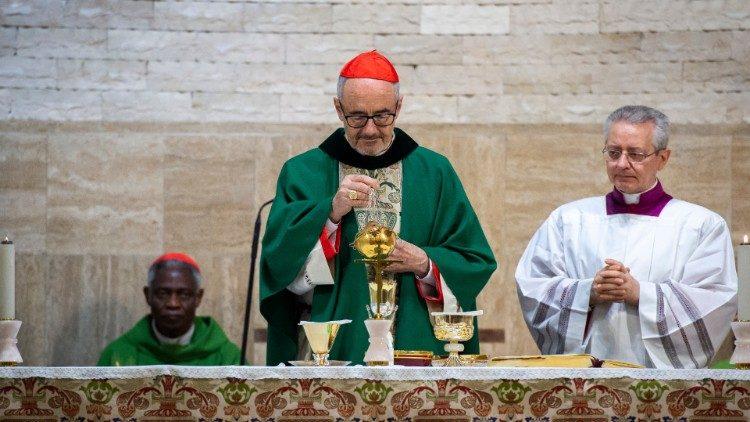 Le cardinal Michael Czerny, ici lors de la célébration d'une messe.