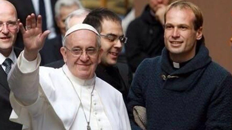 Father Gonzalo Aemilius with Pope Francis