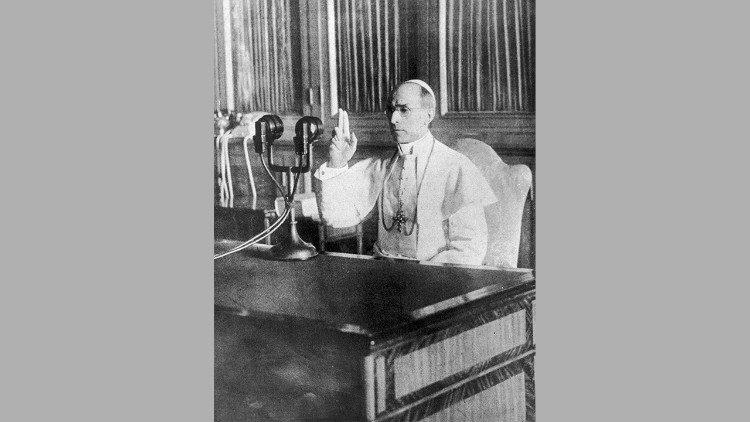 Cha Peter Gumpel SJ và việc mở Văn khố Vatican thời Đức Piô 12