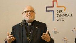 D: Debatte über erste Synodalversammlung