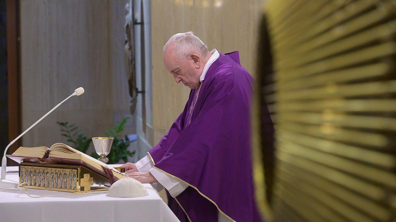 El Papa ofrece la misa de hoy por los enfermos del coronavirus - Vatican  News