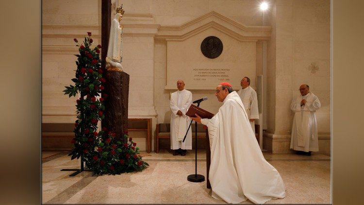 Le cardinal dos Santos Marto lors de la cérémonie de consécration, le 25 mars 2020, au sanctuaire de Fatima