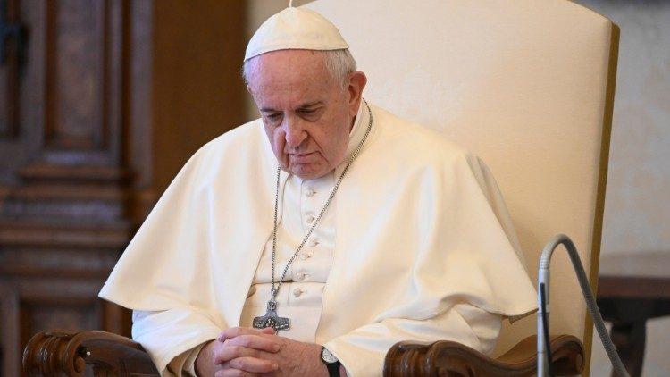 El Papa: así estoy viviendo la emergencia de la pandemia - Vatican ...