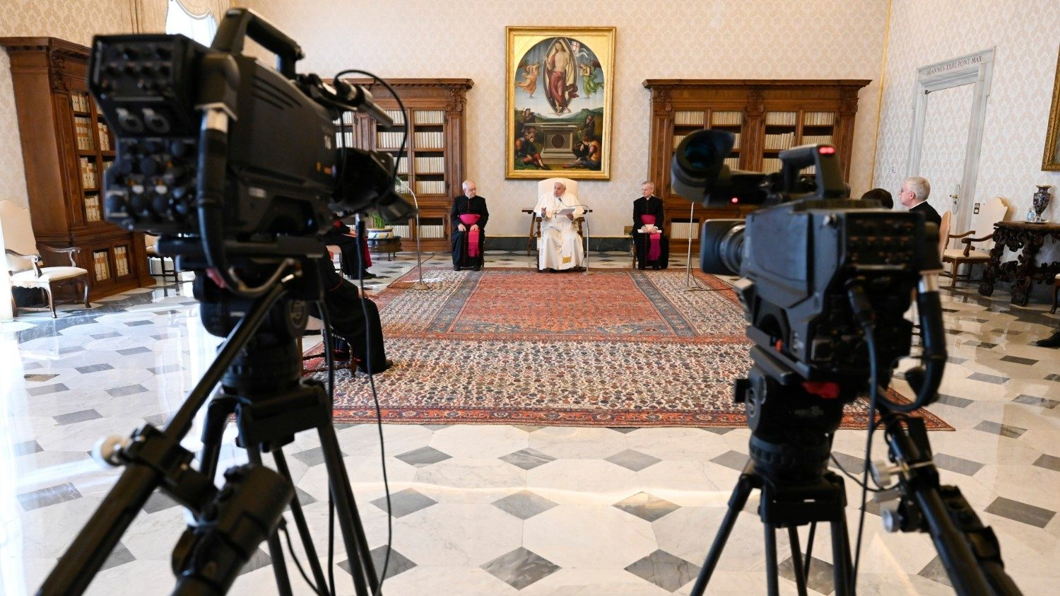 Pope: Jesus is a faithful friend, He accompanies and never disappoints - Vatican News