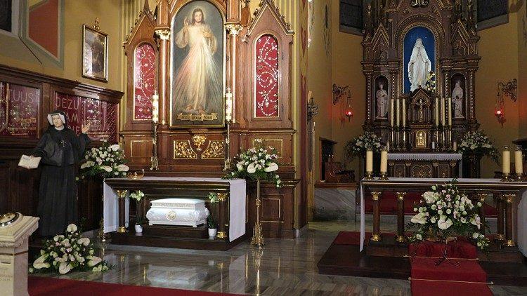 Svetišče Božjega usmiljenja v Krakovu, kjer se nahaja grob sv. Favstine Kowalske