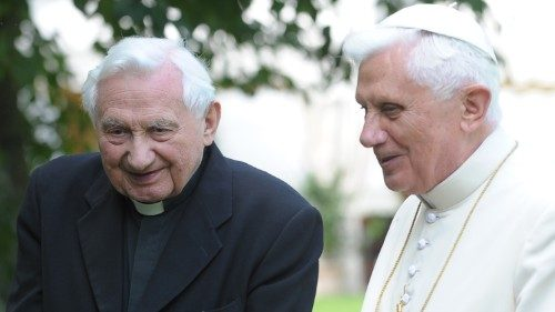 Benedict XVI visits his sick brother in Germany