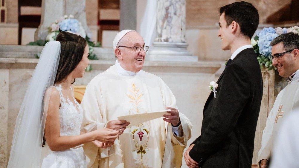 San Valentín Un Camino De Santidad Que Conduce Al Verdadero Amor Vatican News