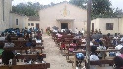 São Tomé and Príncipe: Outdoor celebration of Holy Mass
