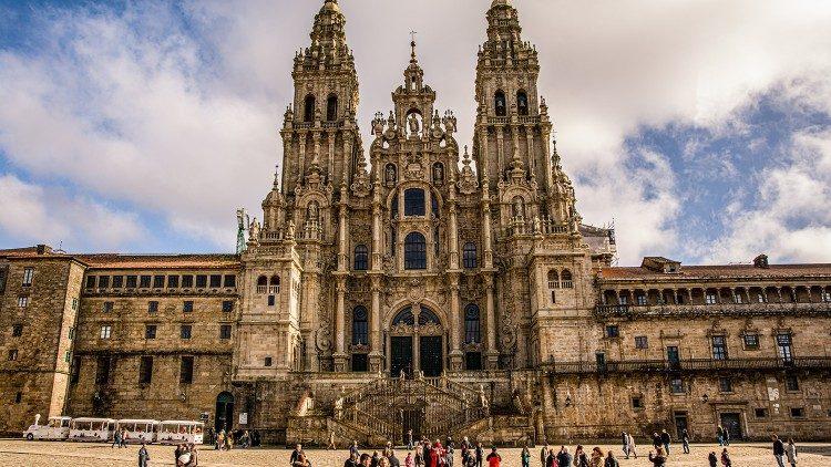 Đền thánh Santiago di Compostela