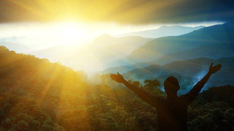 2020.07.27  GIOIA -  cielo - infinito - sole - spiritualità- montagna - alba- rinascità