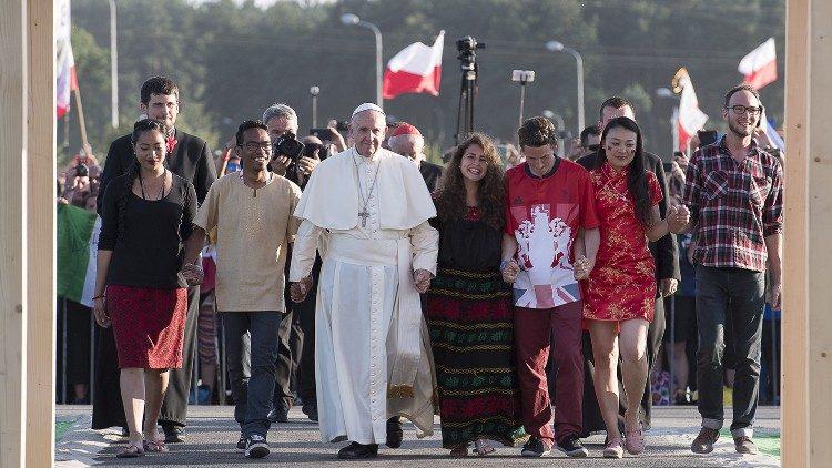 프란치스코 교황과 젊은이들 (자료사진)