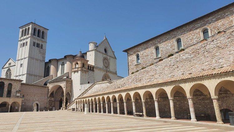 La basilique Saint François à Assise.