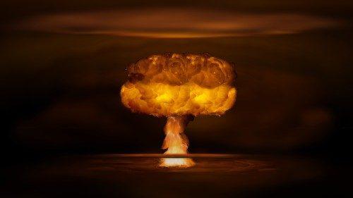 Mgr Gallagher: dialogue et multilatéralisme pour un monde sans armes nucléaires