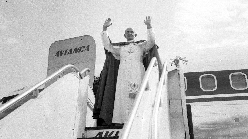 2020.08.20-Paolp-VI-in-Colombia-1968---01_.jpg