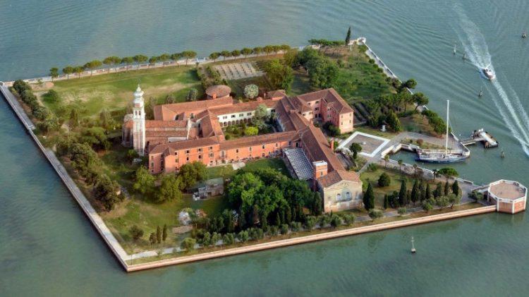 L'île di San Lazzaro degli Armeni, au large de Venise.