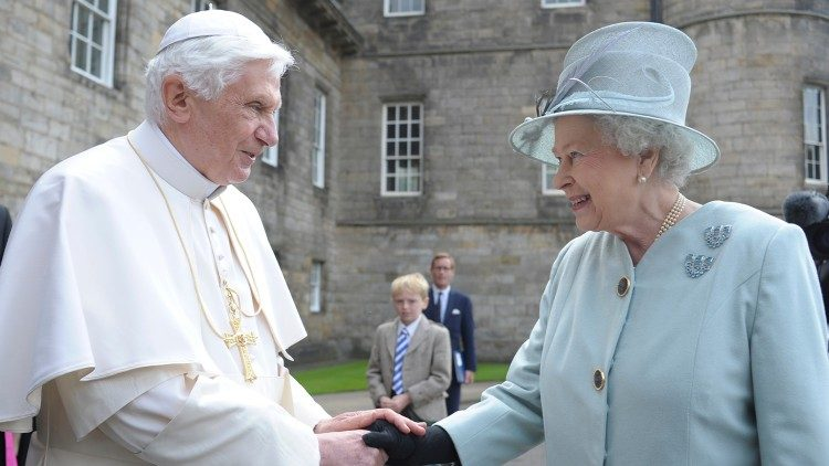 Pope Benedict XVI with Queen Elisabeth II during his vist to Great Britain