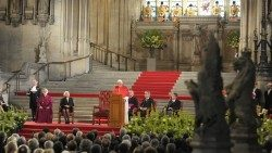 Pope Benedict XVI addresses Politicians, Peers and Religious Leaders in Westminster Hall