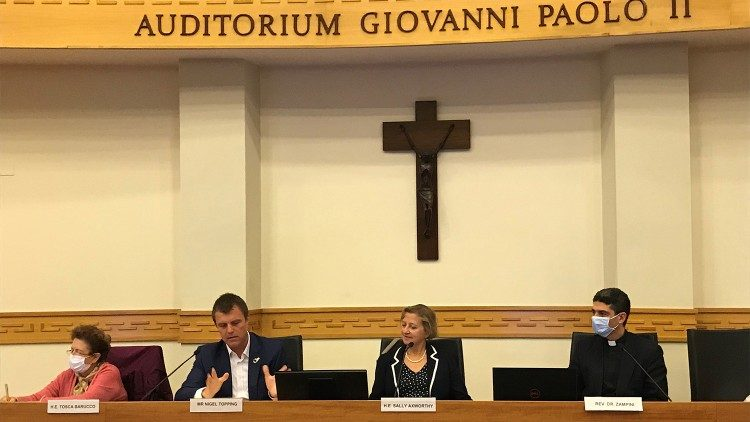 Nigel Topping (2nd right) with other speakers at the Briefing held at the Pontifical Urbania University on 29 September 2020