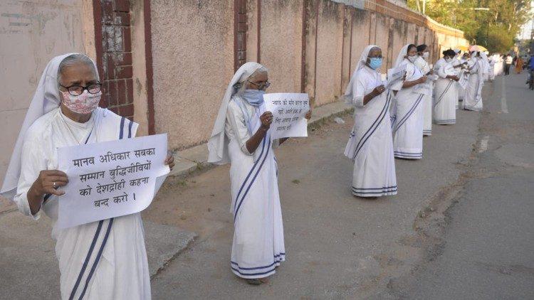 En octobre dernier, une chaine humaine pour demander la libération du père Swamy