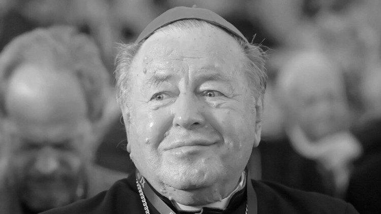 Giám mục Ba Lan đầu tiên qua đời vì virus corona