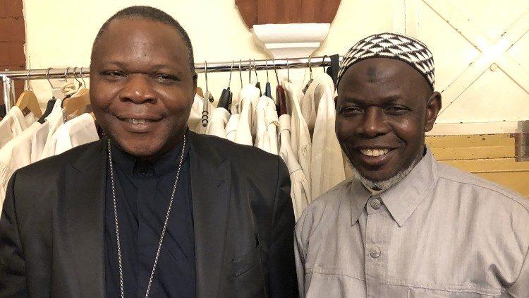 Le cardinal Dieudonné Nzapalainga avec l'imam Omar Kobine Layama, décédé en novembre 2020.