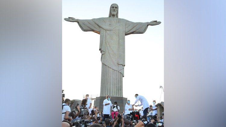 Tượng Chúa Cứu Thế ở Brazil