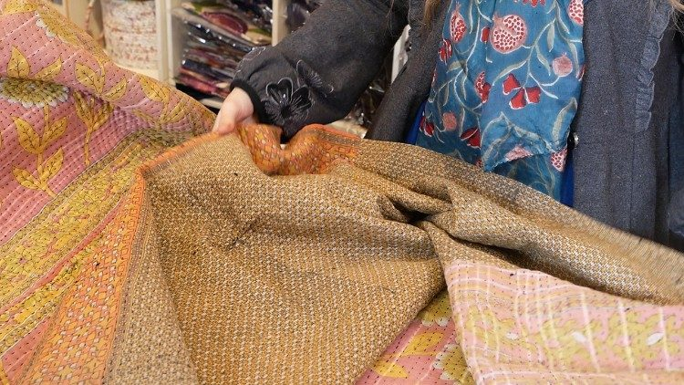 Kantha quilts produced for Xiwikj