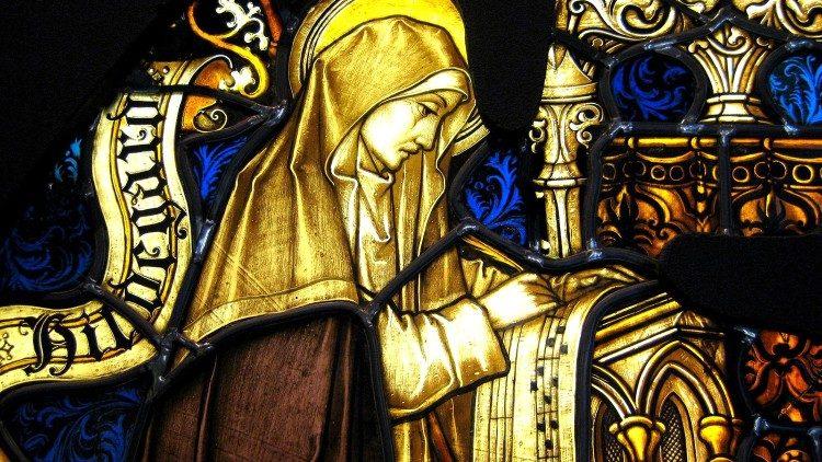 Les visions d'Hildegarde transcrites dans des notes et plus tard dans des livres organiques, l'ont rendue célèbre.