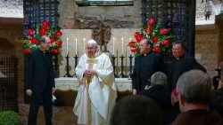 Msgr. Juan Antonio Cruz Serrano, second from right, with Pope Francis in the crypt in the Basilica of St Francis in Assisi, 3 October 2020