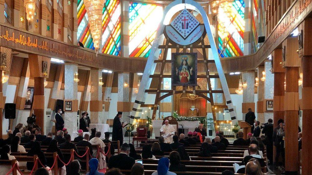 Papa na Catedral Sayidat al-Nejat, Nossa Senhora da Salvação, Bagdá