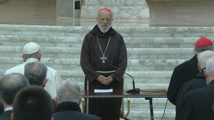 Le cardinal Cantalamessa prononçant sa troisième méditation du Carême, le 12 mars 2021 en Salle Paul VI.