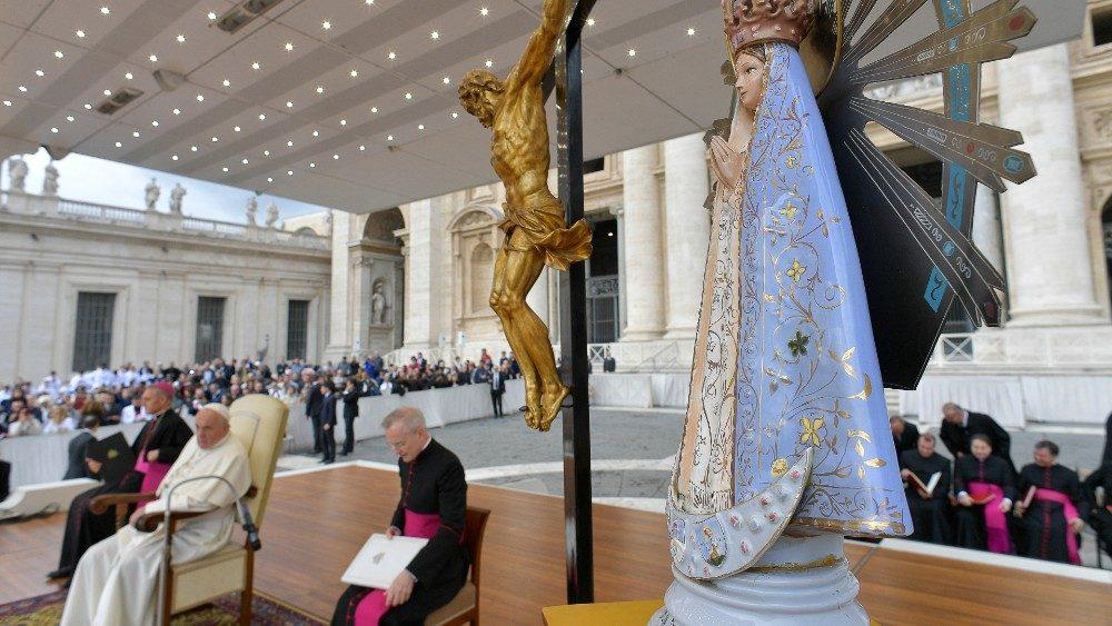 Le Pape se joint à la prière des Argentins en la fête de Notre-Dame de Luján.