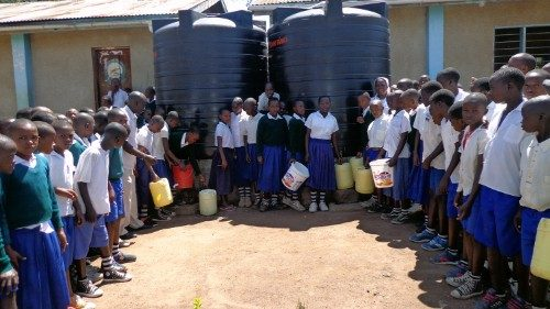 Tanzania: a partir de un proyecto de agua, nueva vida para las poblaciones locales