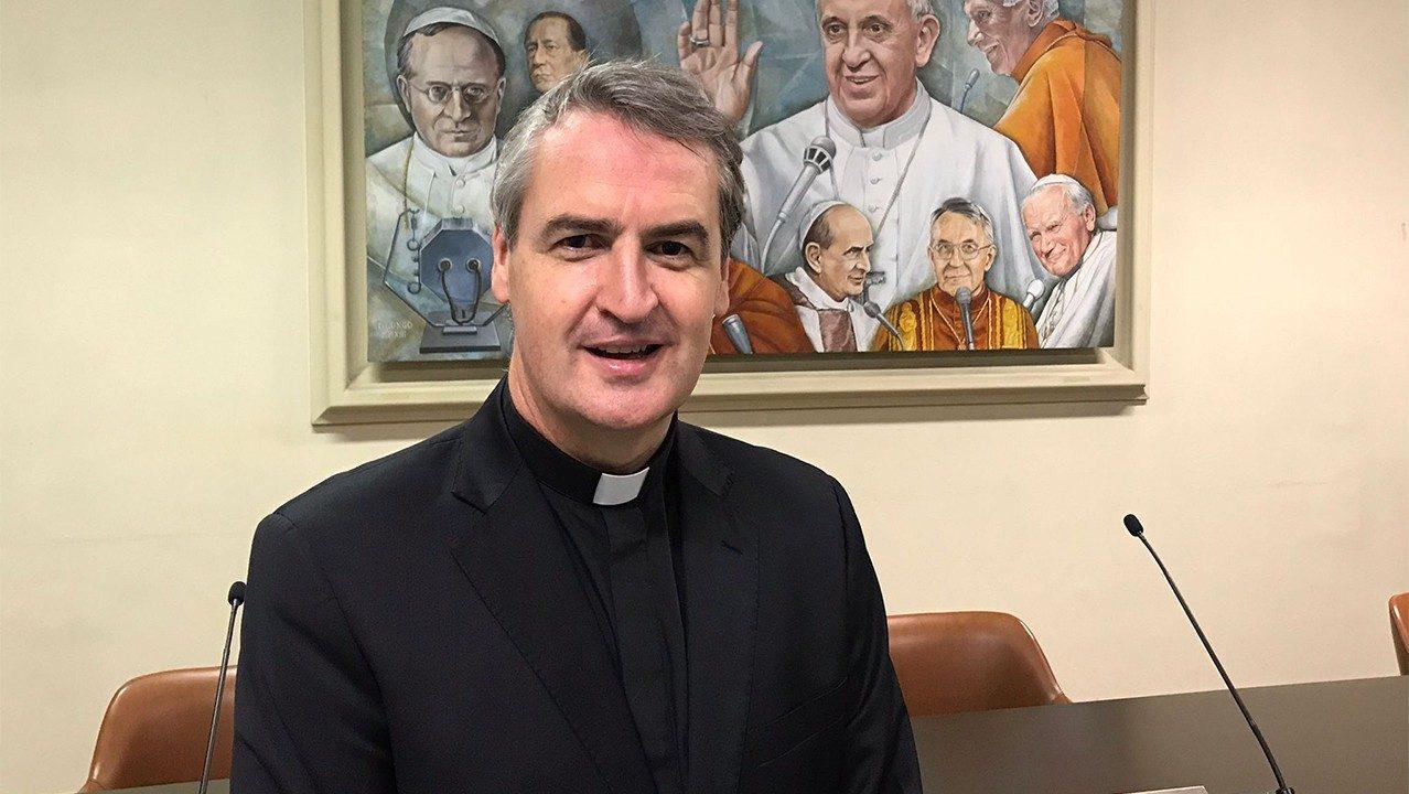 Padre Small, nuevo Secretario de la Comisión Pontificia para la Protección de los Menores - Vatican News