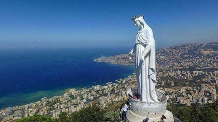 Sanctuaire Notre-Dame du Liban à Harissa, surplombant la Méditerranée, au nord de Beyrouth.