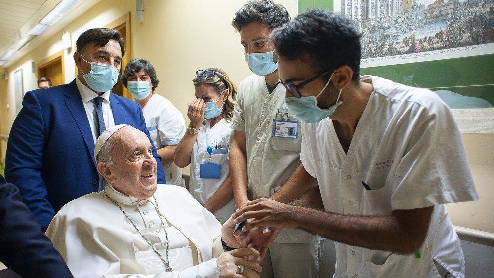 El Papa, en el Gemelli