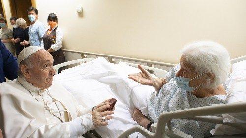 El Papa en el Gemelli: pasa un día tranquilo, unos días más de hospitalización