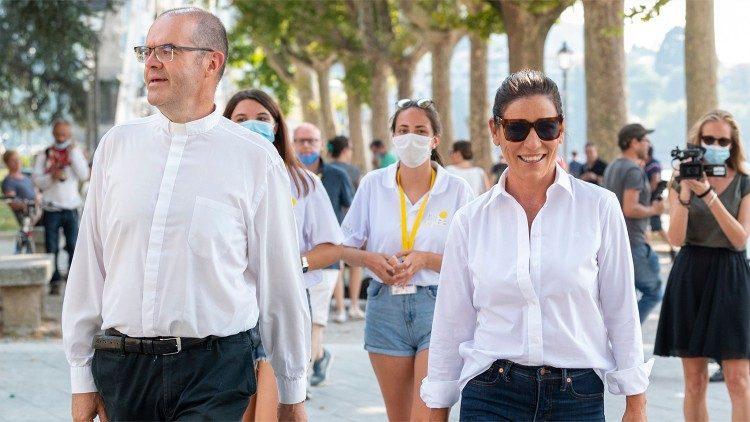Monsignor Milani al Lecco Film Fest 2020 con la cantante Paola Turci