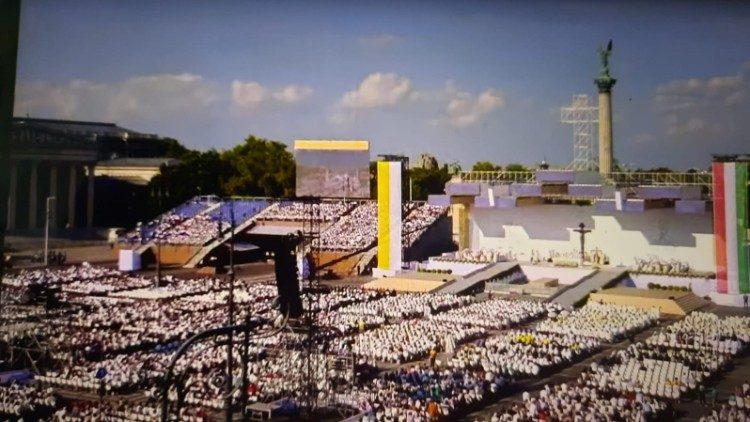 Thánh lễ khai mạc Đại hội Thánh Thể Quốc tế lần thứ 52